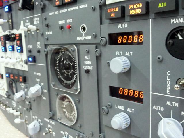 Overhead 737 V2